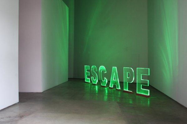 fabricacion de letras acrilicas y luz led. ESCAPE, www.arteneon.com.mx