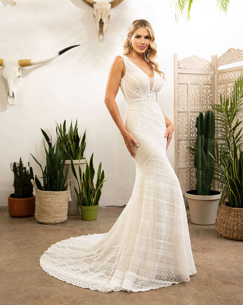 BL322 Kellan in 2020 Fit and flare wedding dress, Fitted