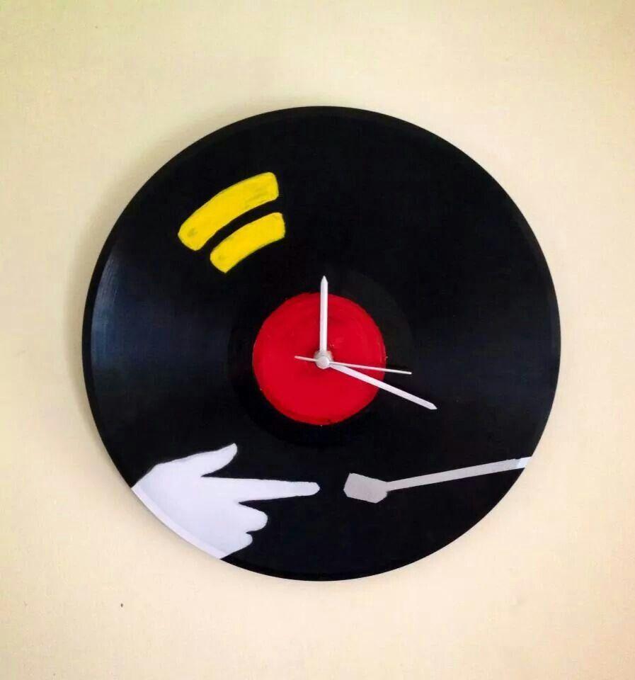 Personalised wall clock