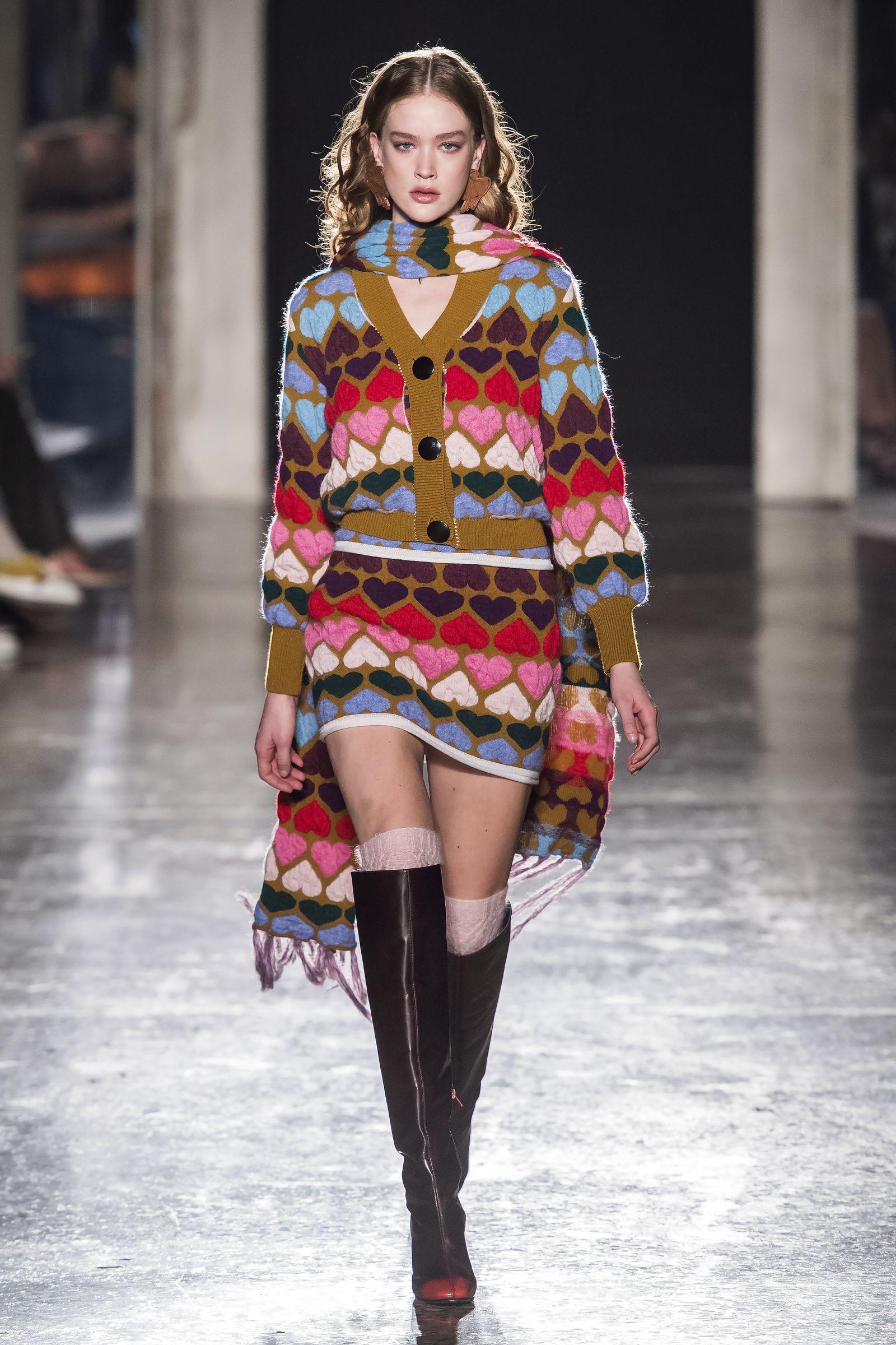 Se non possiamo vivere senza maglioni, questi cardigan sono la versione più furba per l'Inverno 2020