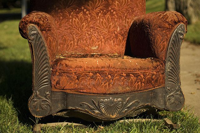 I love all the texture of this chair. So much character.