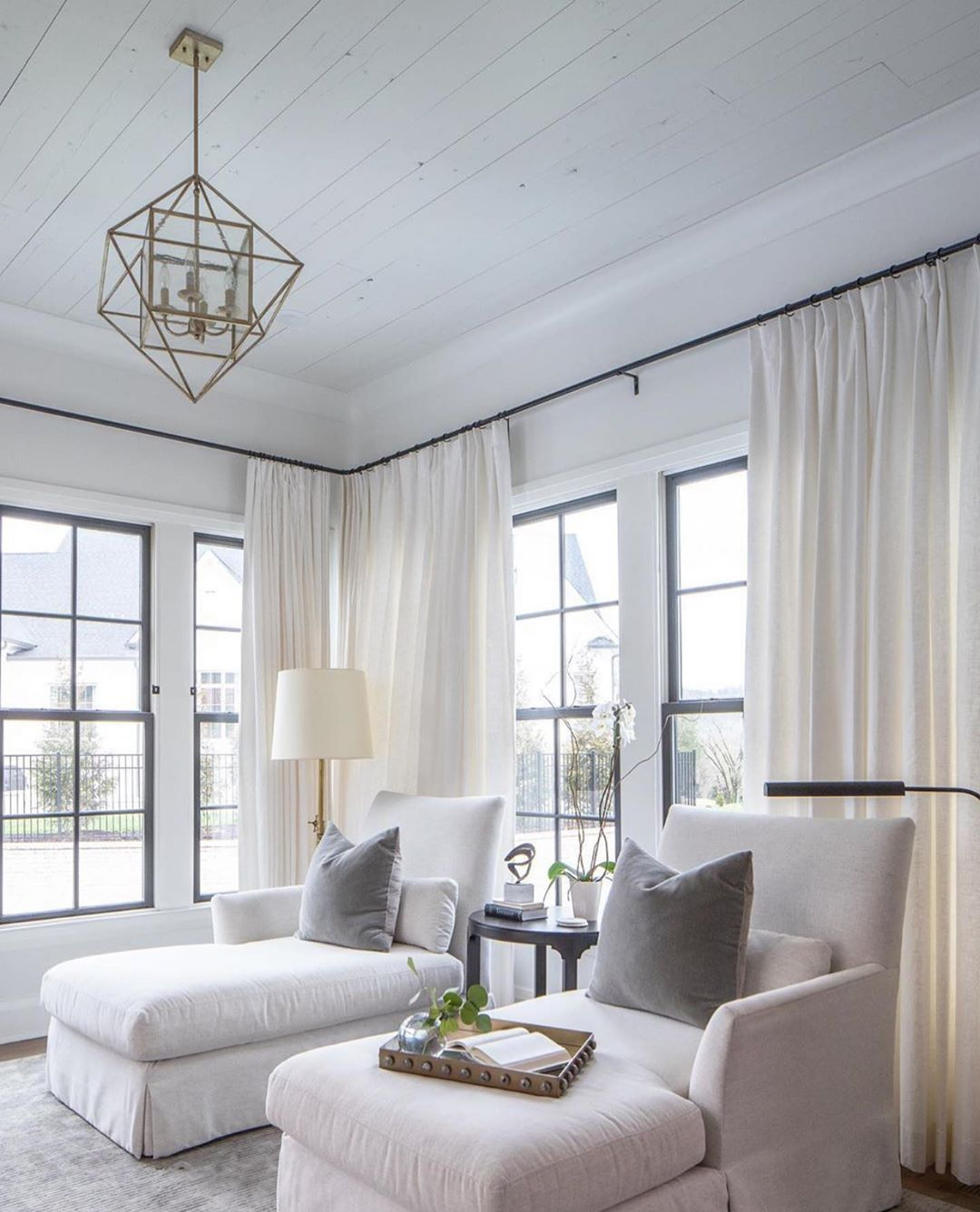 Shannon Sears Mcilwain On Instagram Perfect For A Friday Evening Design Juliecouchinteriors Kristen Mayf In 2020 Sitting Room Design Home Room Design #sears #living #room #curtains