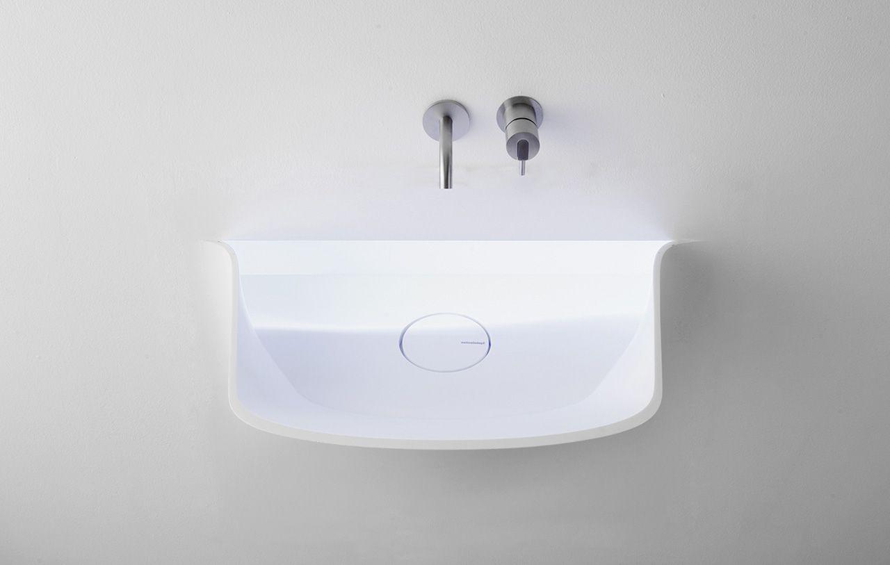 Soffio er en herlig vask fra den kjente Italienske baderomsleverandørenAntonio Lupi. Vasken bygges inn i veggen og gir en spennende effekt. Få masse spennende baderomsinspirasjon herAntonio Lupi