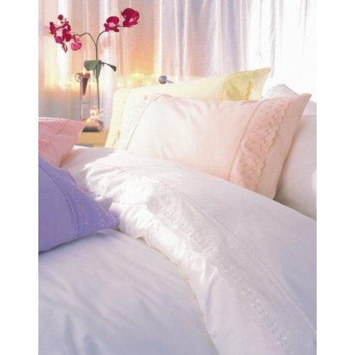 Yasmin By Belledorm Ivory Sheet Set Single Delicate Broderie Anglaise Ambellished At Both Ends Of The Pillowcase And Across The To Matelas Linge De Lit Taie