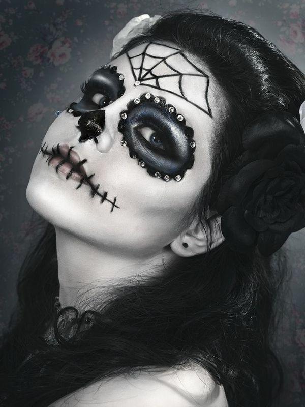 tolle schminke f r halloween halloween diy makeup god. Black Bedroom Furniture Sets. Home Design Ideas