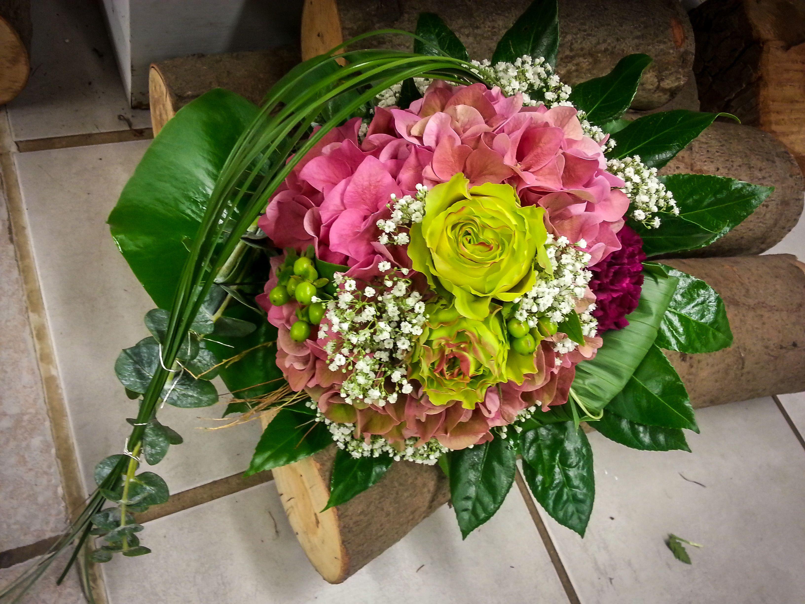 ergreife den schwung und sch pfe das leben aus floristik strau hortensien rosen. Black Bedroom Furniture Sets. Home Design Ideas