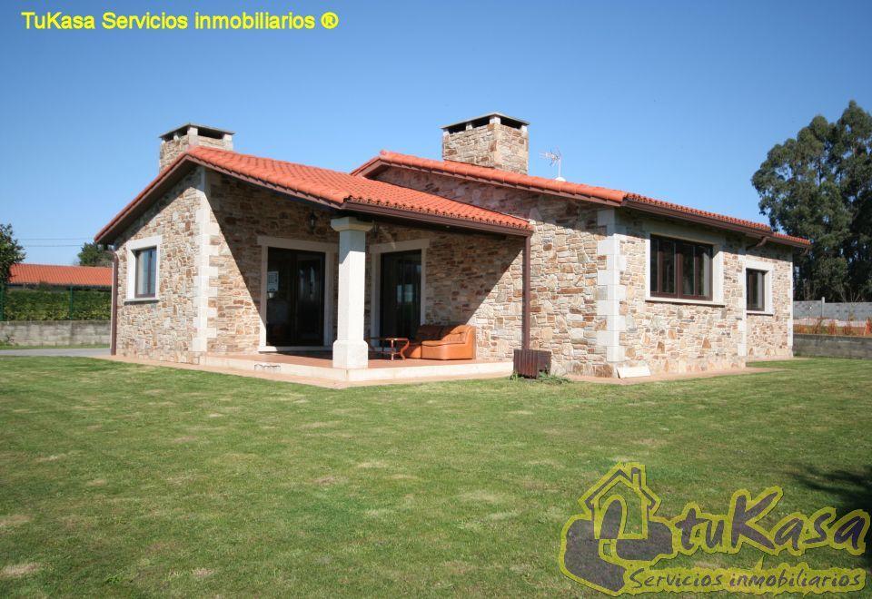 Tukasa casas r sticas venta cambre chal de planta for Casa de una planta rustica