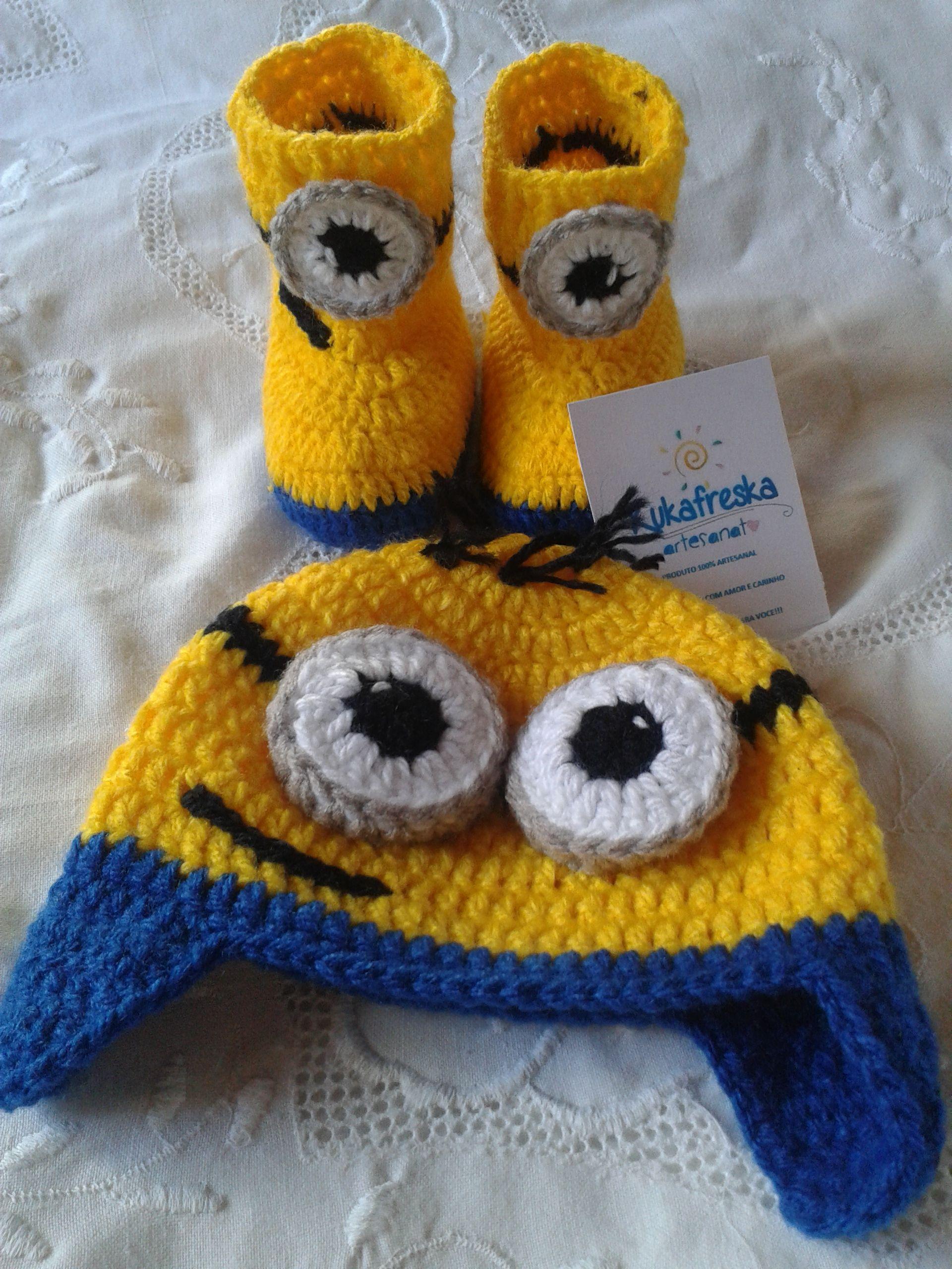 a05de064ecd03 Kit touca e botinha para bebe em croche Minion.