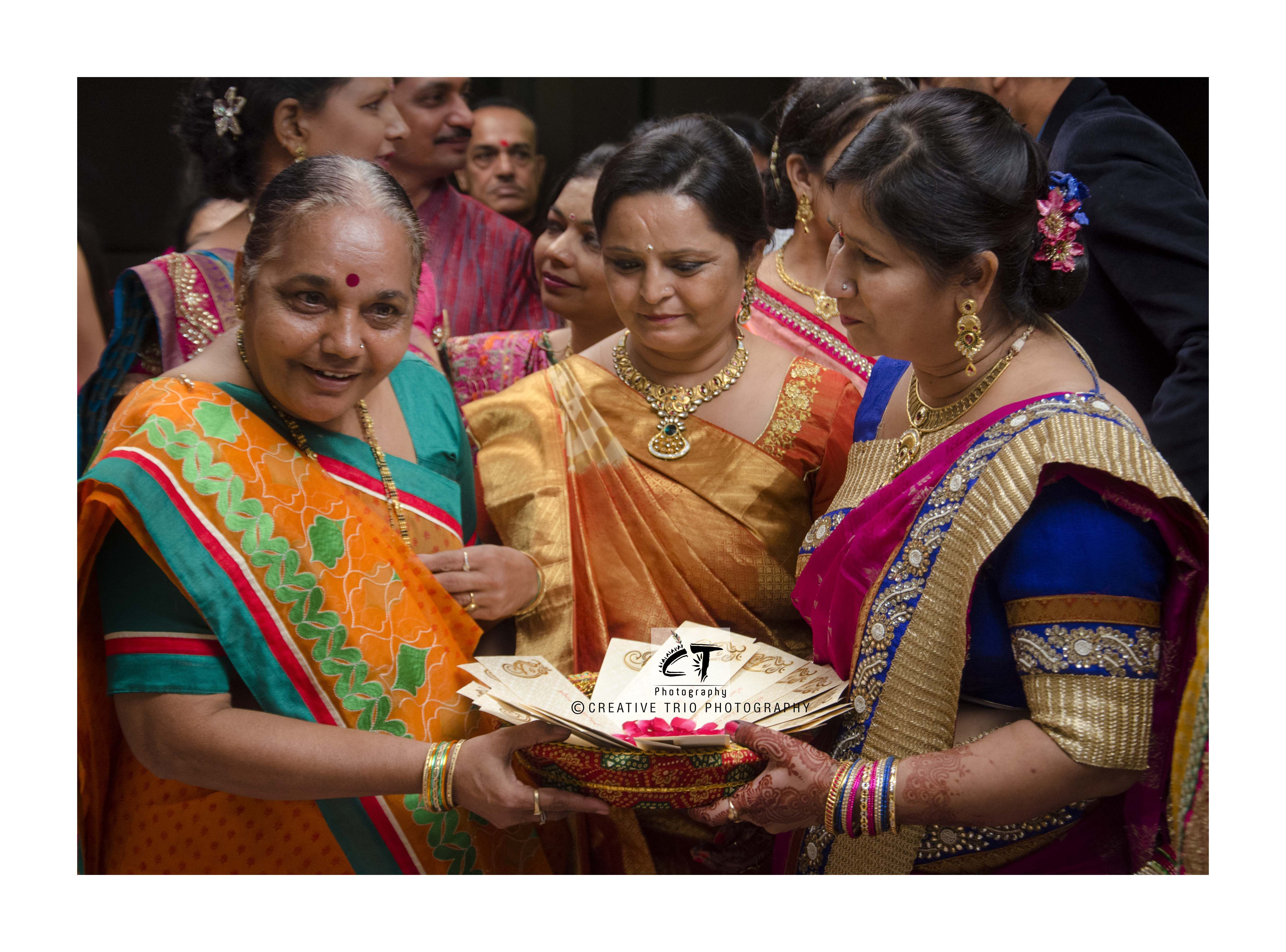 Engagement pattu saree images pin by creative trio on engagement u wedding photography portfolio