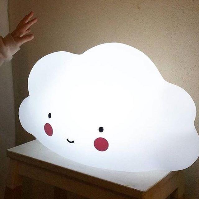 Easy on and off with just this little hands ☁️ #new #cloud #light soon online at www.kidsdinge.com                http://instagram.com/kidsdinge        https://www.facebook.com/kidsdinge/