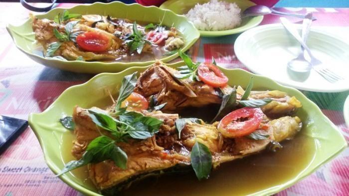 Warung Artis NTT - Kuah Asam Ikan Tenau Kupang Sedap, Lezat, dan Aman di Kantong
