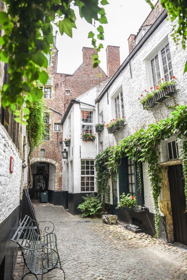 De Vlaeykensgang is het mooiste geheime straatje van Antwerpen