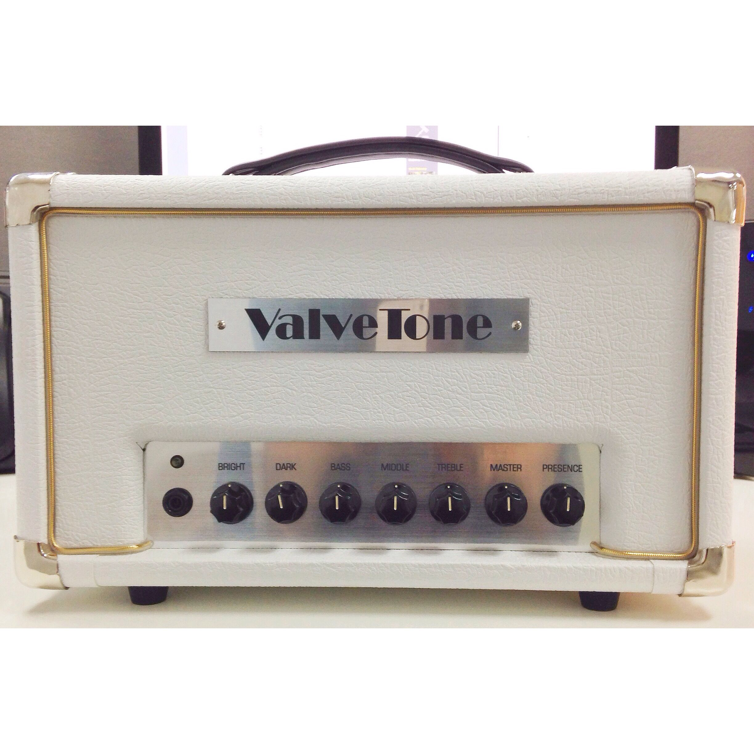 My new amp! Valvetone Hilite 45. Based on a Hiwatt preamp circuit ...