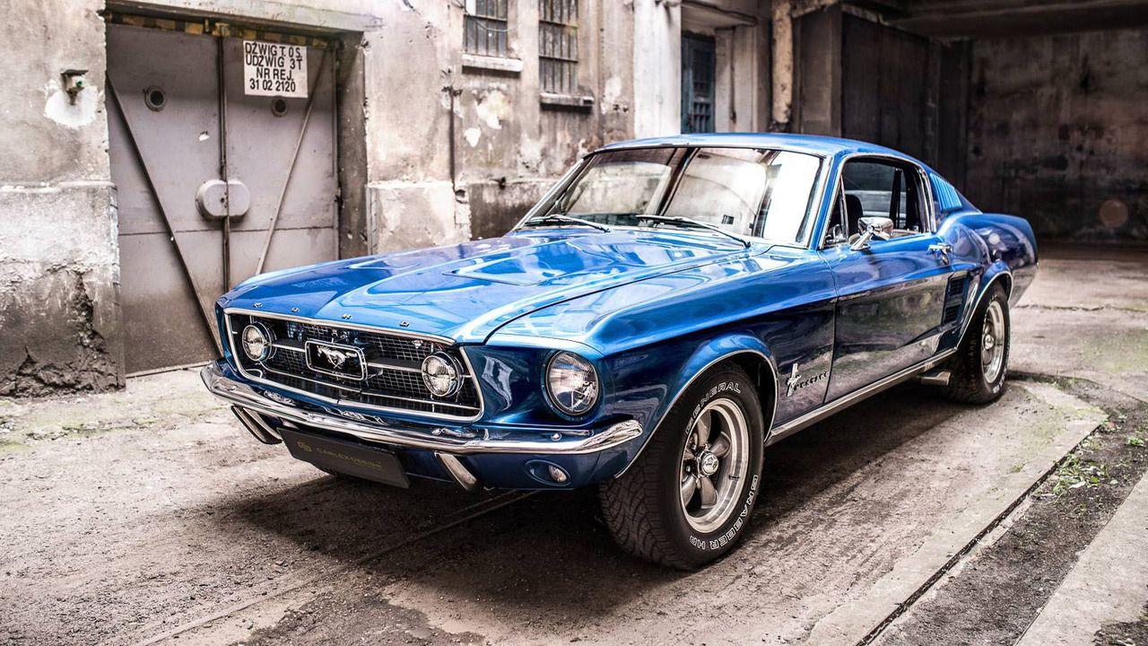 O Interior De Fibra De Carbono Deste Ford Mustang 1967 E Uma Das