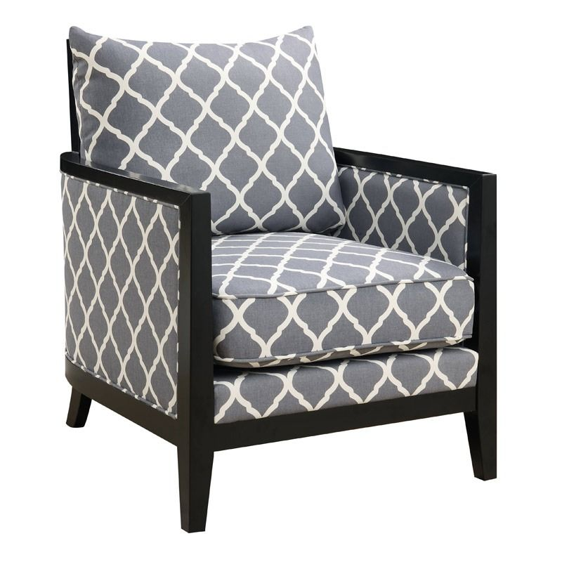 A Gray Quatrefoil Pattern Modernizes The Classic Shape Of This