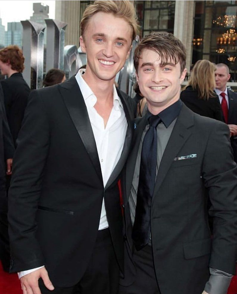 Pin By Elly On Galerias Harry Potter Harry Potter Actors Harry Potter Scene Harry Potter Cast