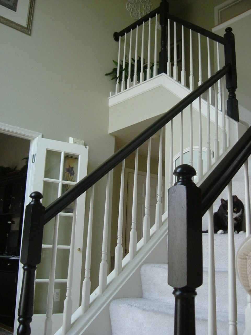 Best Painted The Yellowy Oak Staircase Banister Around My 400 x 300