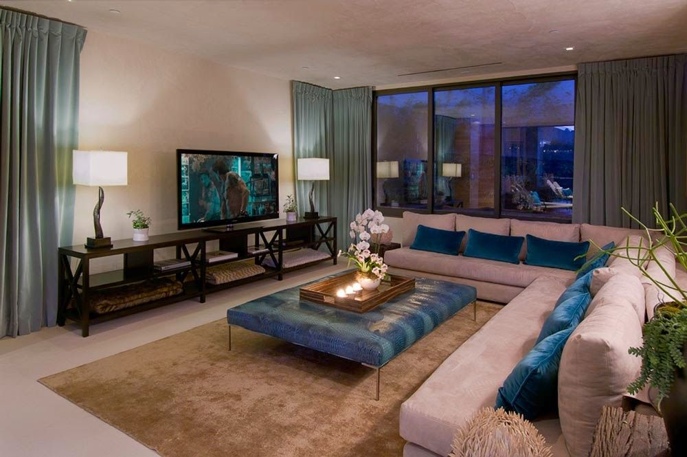 Blue Jay Residence En Hollywood Hills Inside Celebrity Homes Luxury Homes Dream Houses Minimalist Living Room
