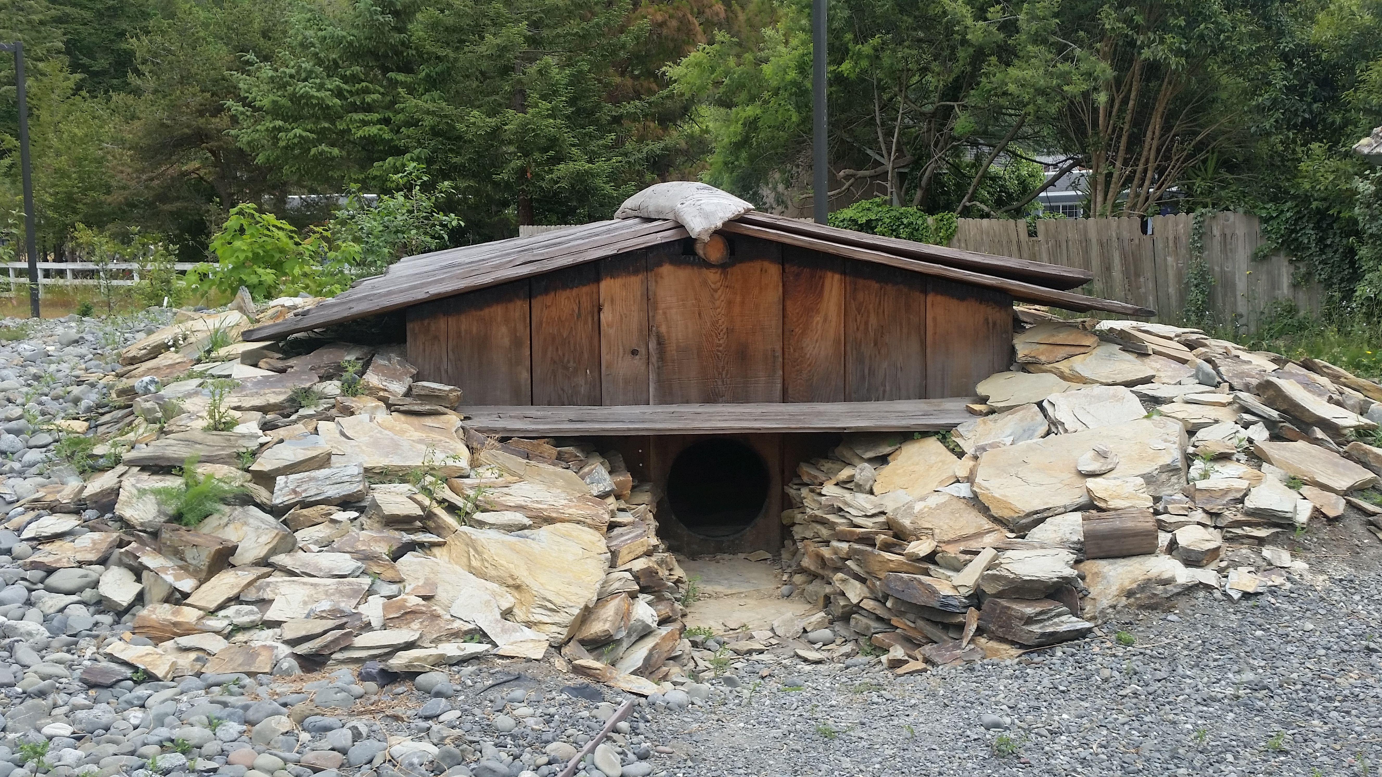 Sensational Yurok Sweat House Google Suche Native Americans House Download Free Architecture Designs Embacsunscenecom
