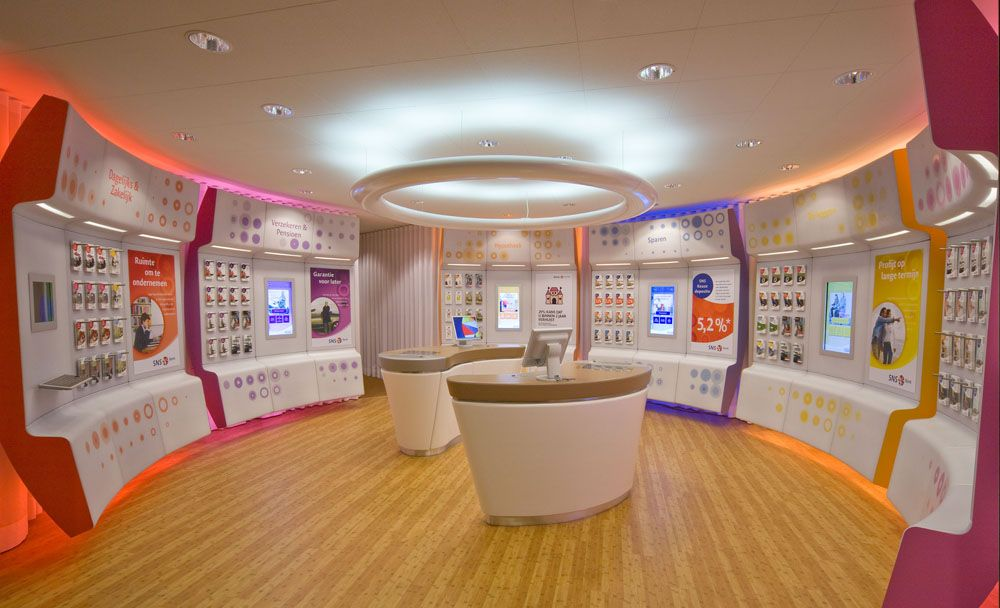 Design agency VBAT has won a golden Graphis Award with its retail design  for the Dutch SNS Bank. We're not too familiar with the Graphis award, ...