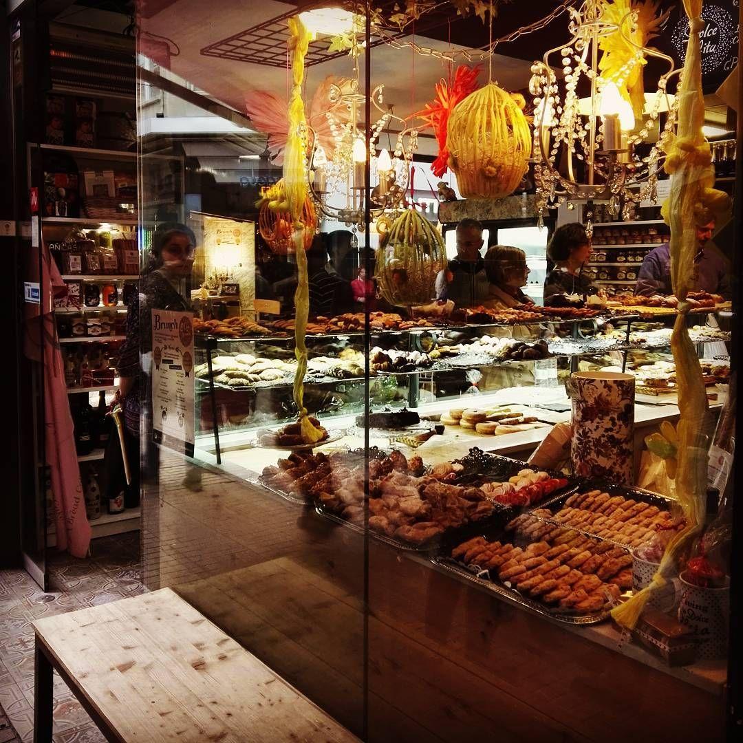 Delicias en la calle San Miguel  #zaragoza #zaragozamola #zaragozapaseando #zgzciudadana #igerszgz #elgatoladrando #elgatoqueladra #huaweip8 #huawei