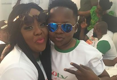 Photos: Chinedu Ikedieze 'Aki ' and Helen Paul get cozy in lovely new photos, view details at https://goo.gl/Qq01Ei