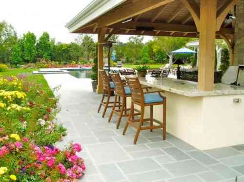 Aménager un bar de jardin  conseils utiles Bar - amenagement jardin avec spa