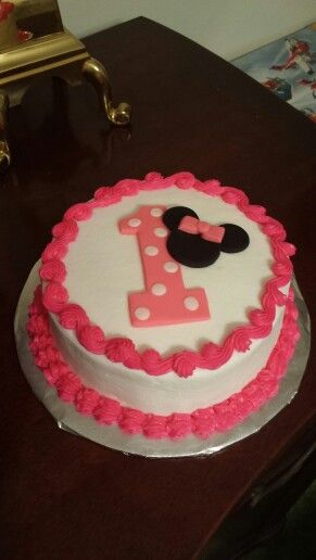 Minnie Mouse Smash Cake With Images Minnie Mouse 1st Birthday