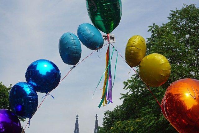 Mal in der CSD Parade in Köln mitgegangen - tolles Erlebnis!