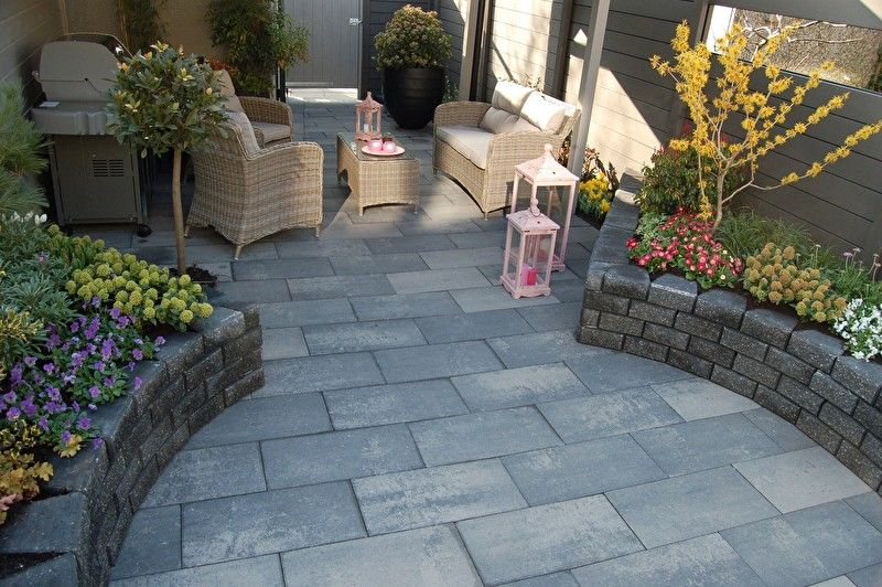 Tuin tegels google zoeken tuin ide en pinterest tuin for Bestrating kleine tuin