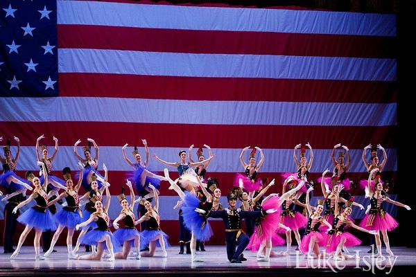 Cold War Nationalism And American Modern Dance American Modern Modern Dance Ballet Beauty