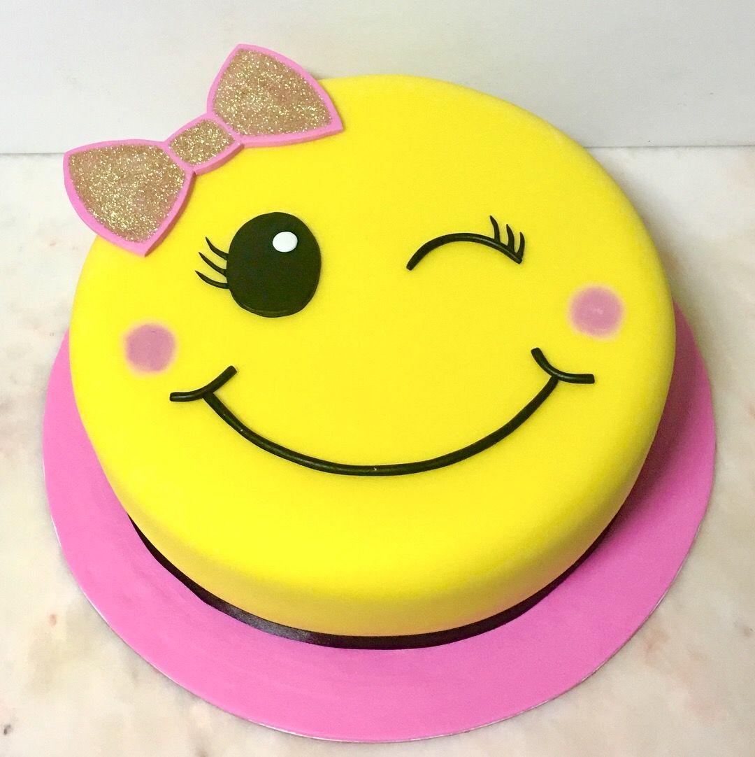 Emoji Cake Cakedesign Bolo Recipes In 2019 Pinterest Emoji