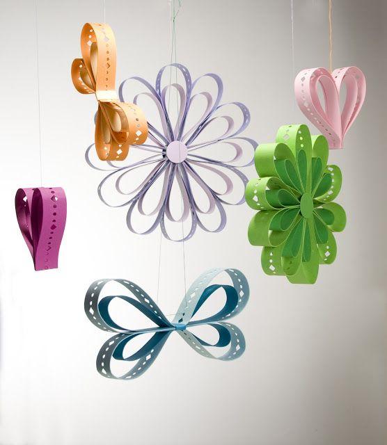 A guardar bene vi accorgerete che non sono semplici cuori farfalle e fiori colorati ma sono - Decorazioni primaverili per finestre ...
