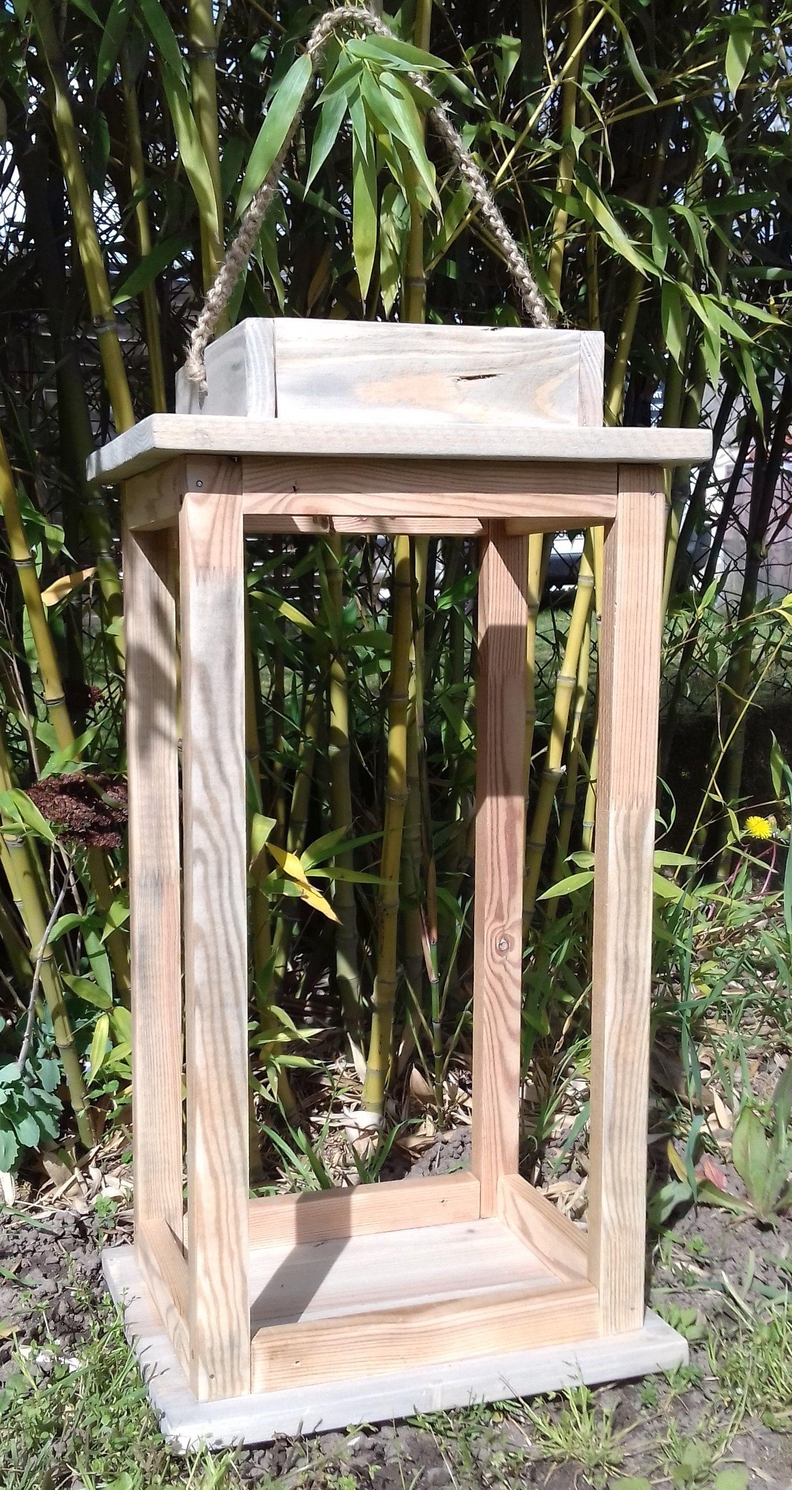 lanterne de jardin entièrement fabriqué avec du bois recyclé. venez ...