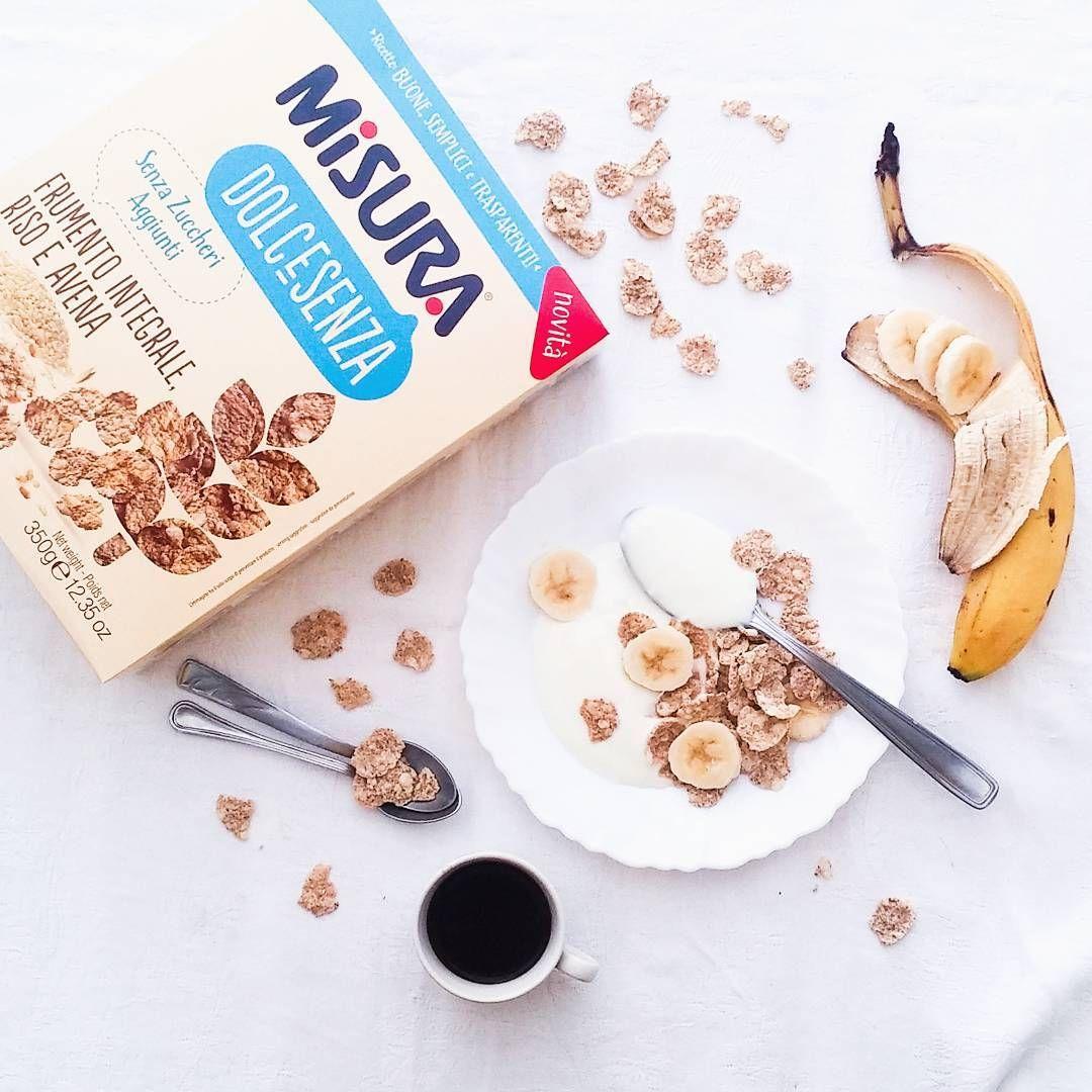 """""""Mi piace"""": 213, commenti: 9 - Flatlays / Food / Travel (@laangie) su Instagram: """"Buongiorno con i cereali più buoni che abbia mai provato ( oh, danno dipendenza!! ) 💙…"""""""