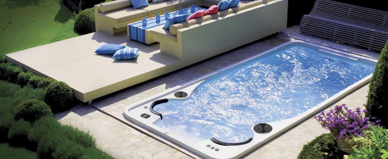 Spa de nage 2 assises aquaplay clair azur 14fx et terrasse amovible motoris e ifeelpool - Spa de nage exterieur ...