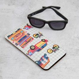 Metropolitan Argyle Spectacle Case : Drown in an electric haze of varied colours with the Metropolitan Argyle designer glass cases. With Indian road elements on top of an argyle backdrop, these cool glass cases for women are a perfect way to inject life into the spectacle safekeeping.