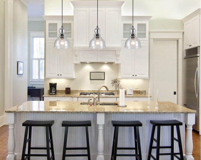 Epingle Sur White Kitchens