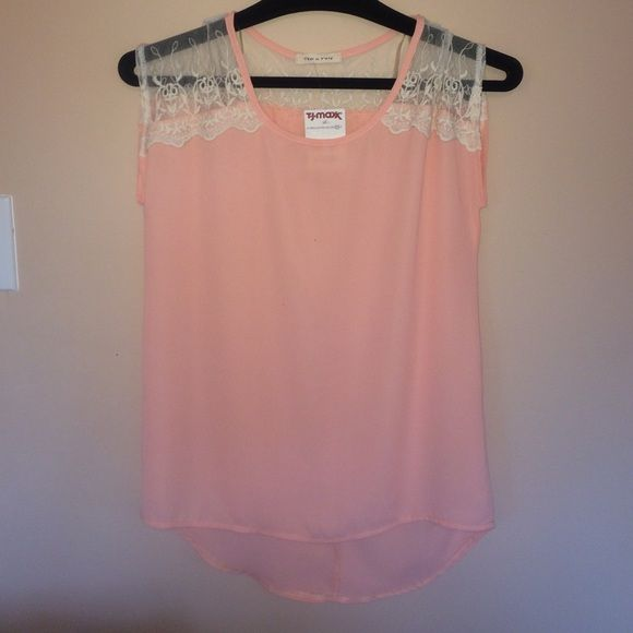 Peach Flowy top Lace Flowy top Tops Blouses