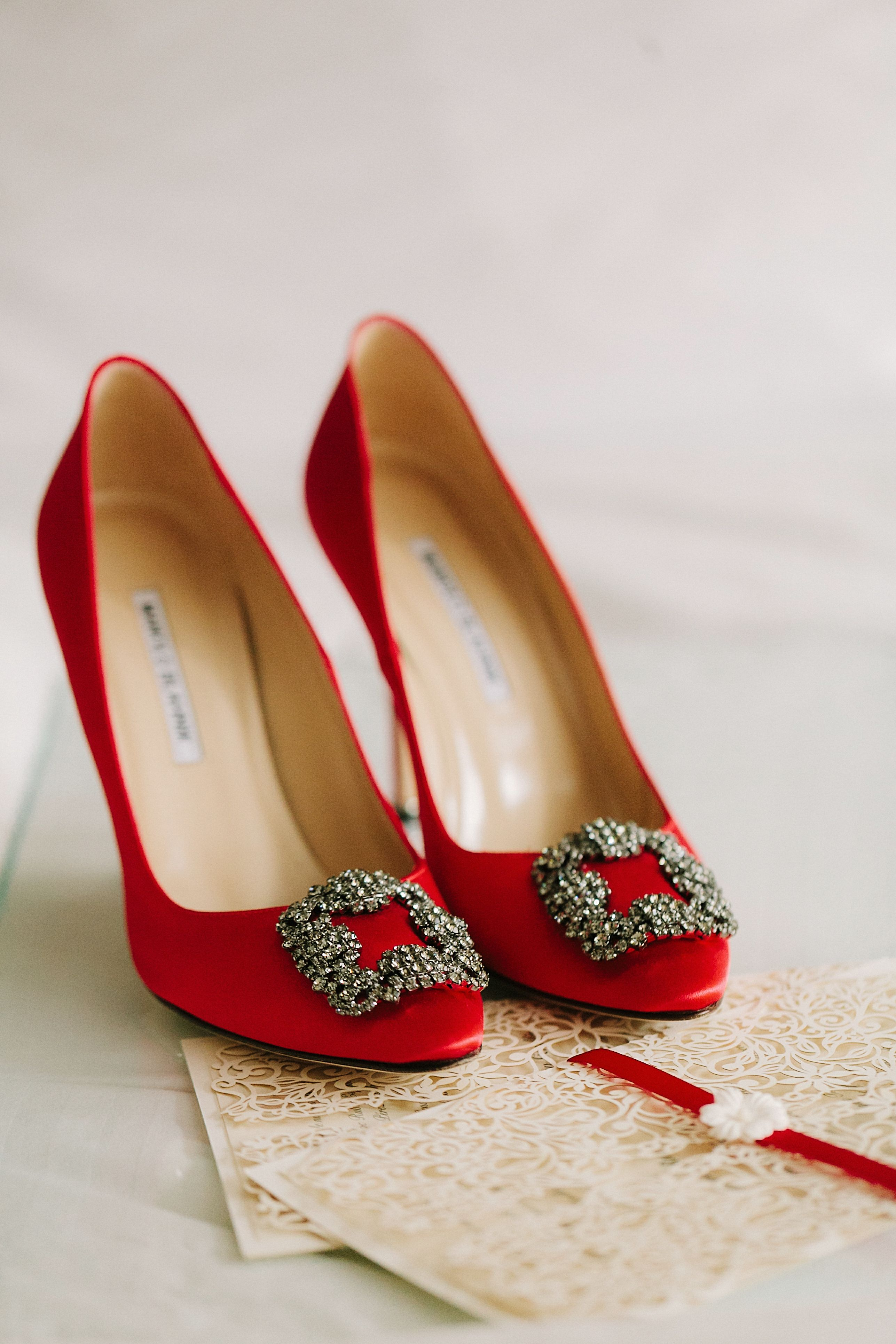 Manolo blanik, Red wedding shoes