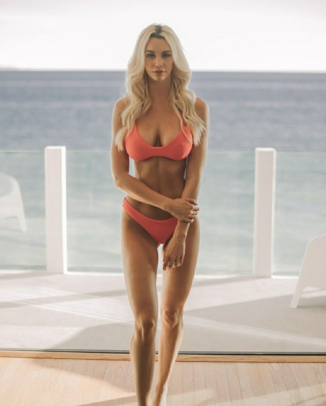 Caitlin Arnett, Fashion Model | Welcome To The 007 World!