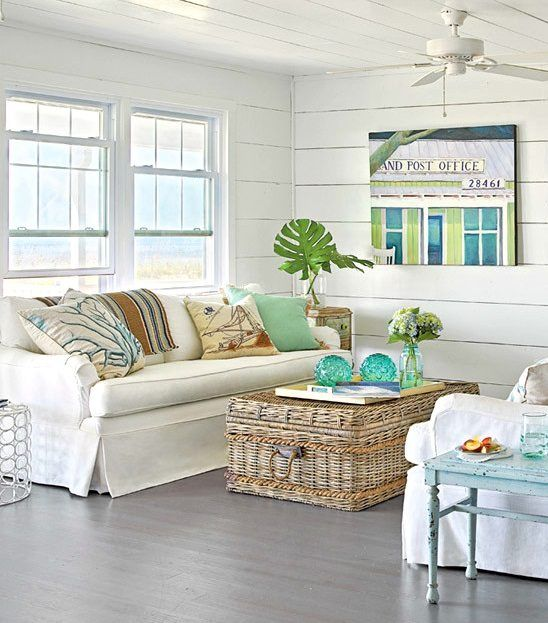 Beach Chic Coffee Table: Decorative Storage Ideas For A