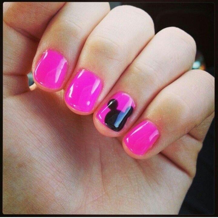 Mickey mouse nails Disneyland | Nail Ideas | Pinterest