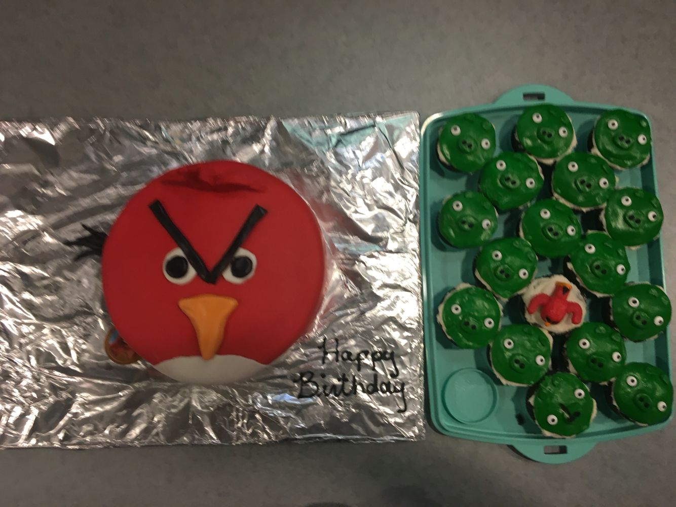 Angry Birds Cake and Pig cupcakes