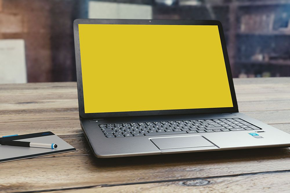 Free Small Realistic Laptop Mockup In Psd Mockup Laptop Design