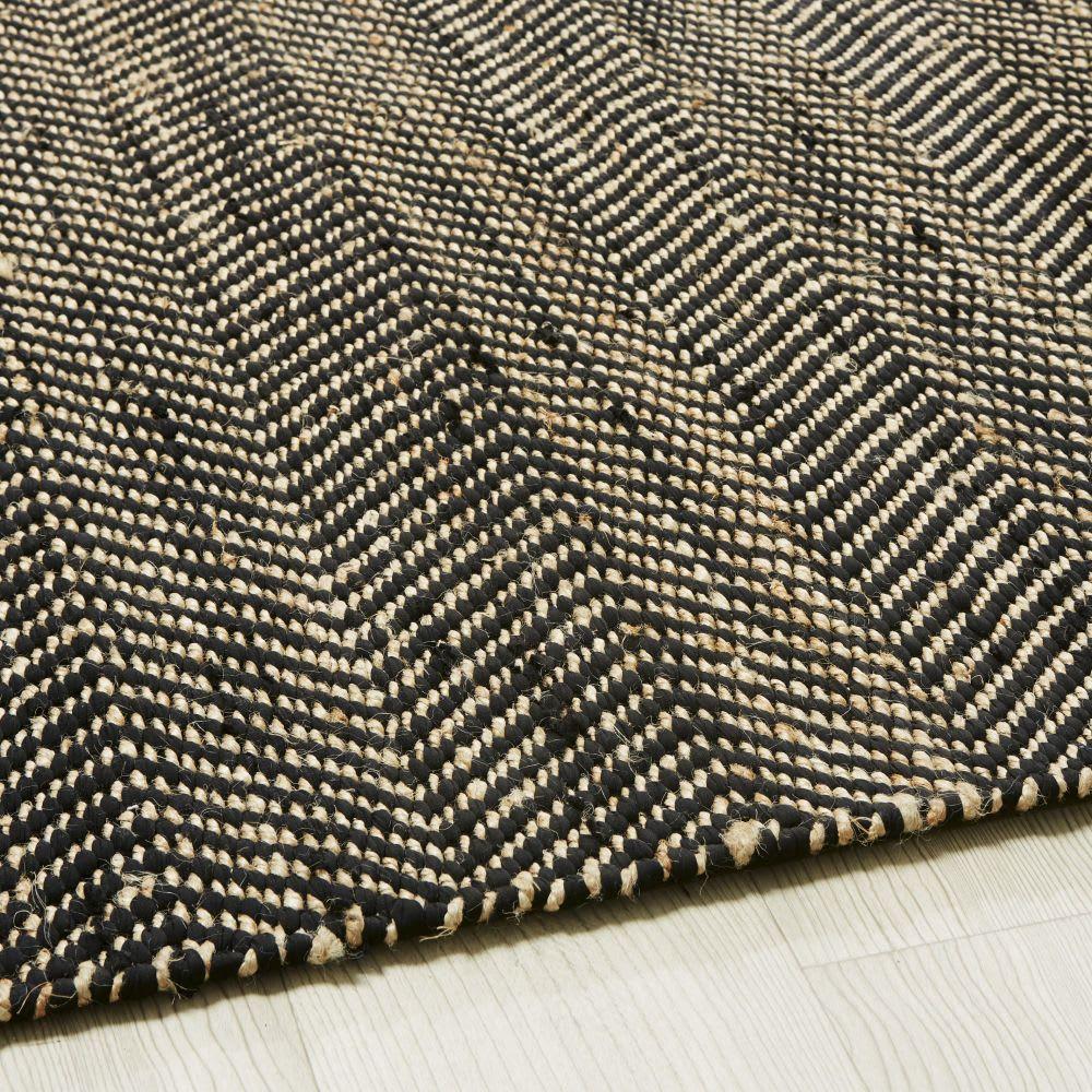 Tapis en coton et jute noir et marron motifs à chevrons ...