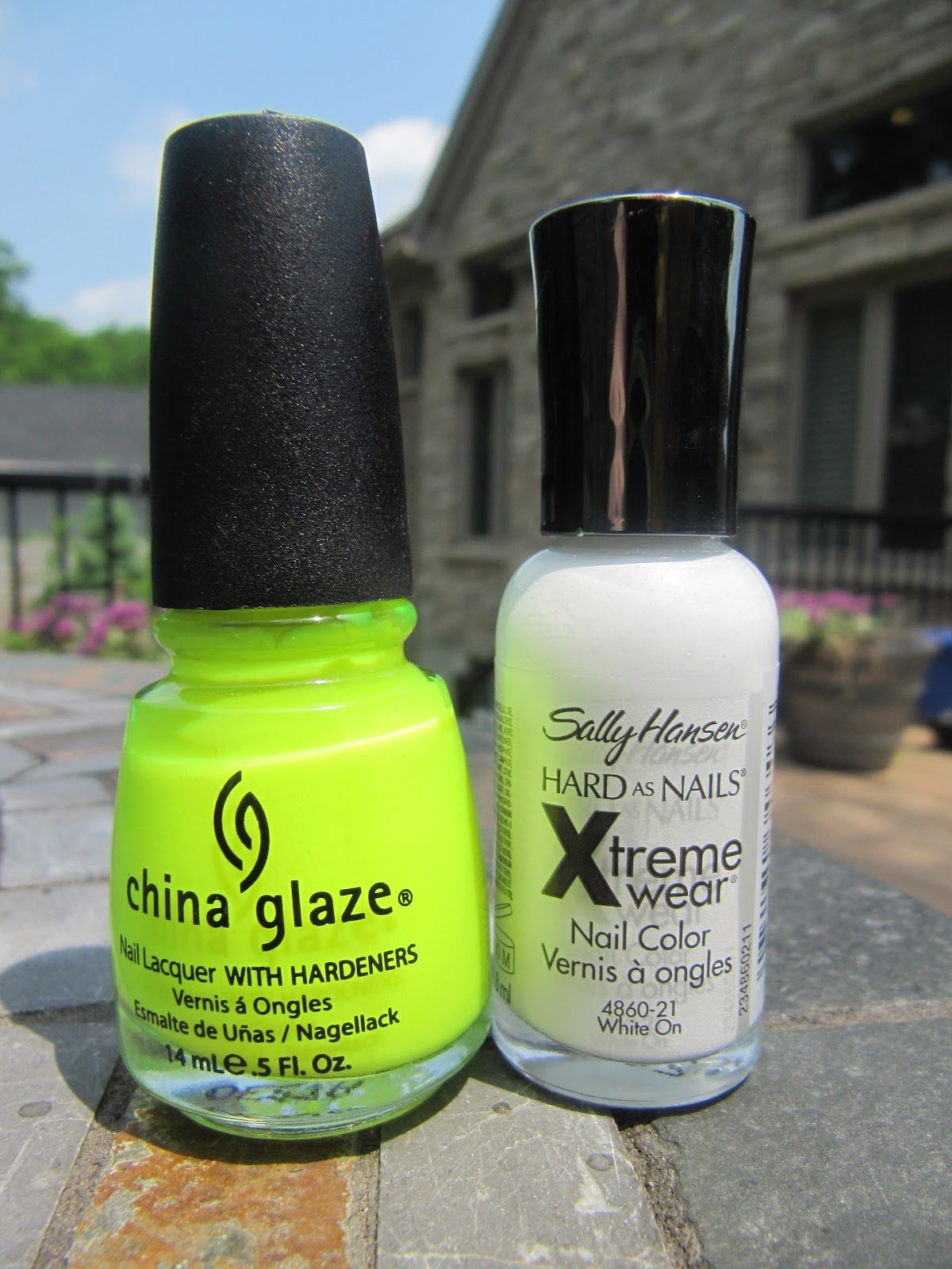 Funny Face Beauty: A Trick for Neon Nail Polish