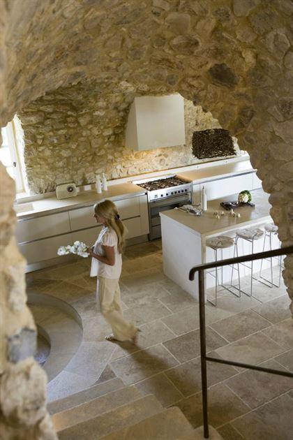 Cuisine Moderne Dans Maison En Pierre: 43 Idées De Design De Cuisine Avec Murs En Pierre (avec