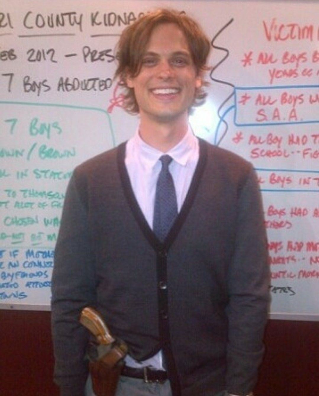 I Like How He S Smiling In Front Of That Horrific Whiteboard Matthew Gray Gubler Matthew Gray Criminal Minds