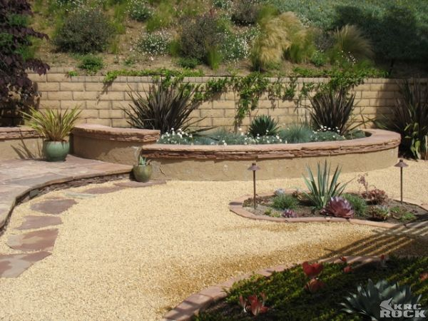 crushed granite garden | Crushed Granite yard on side of ... on Decomposed Granite Backyard Ideas id=95739